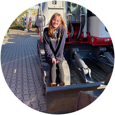 Annalena Salchow, Auszubildende der Firma Salchow & Berger Baubedarf GmbH in Altheim