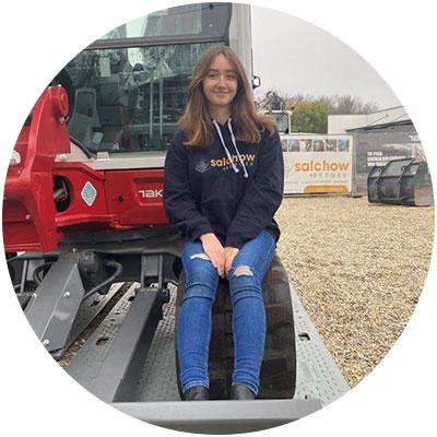 Michelle Schnell, Auszubildende der Firma Salchow & Berger Baubedarf GmbH in Altheim